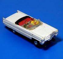 Faller-AMS-4857-Cadillac-Cabrio-mit-Blockmotor.jpg
