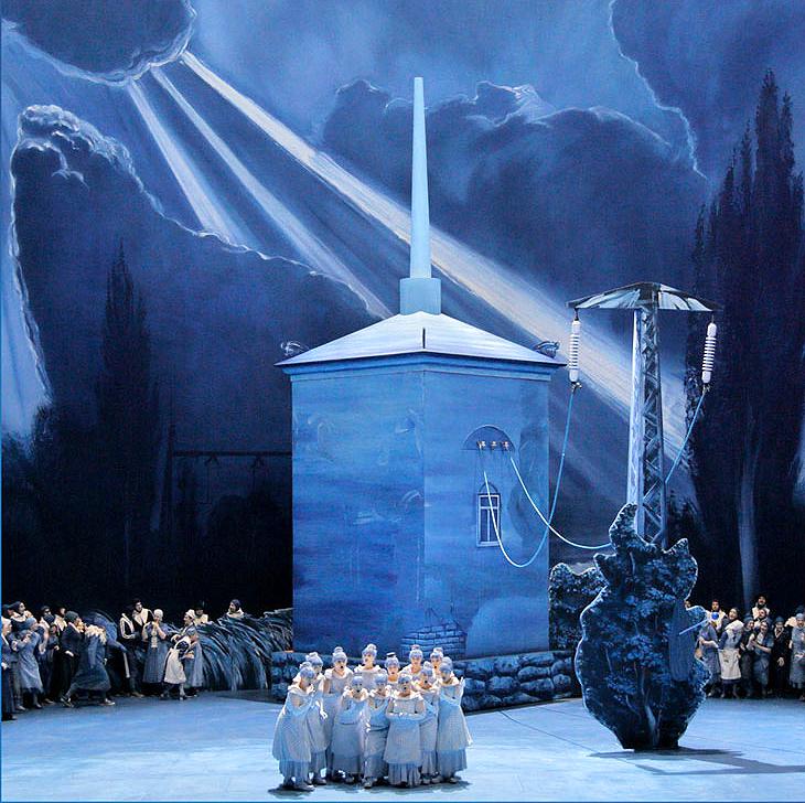 Neo Rauch taucht Bühnenbild von Lohengrin in Blau  Bayreuther Festspiele.jpg
