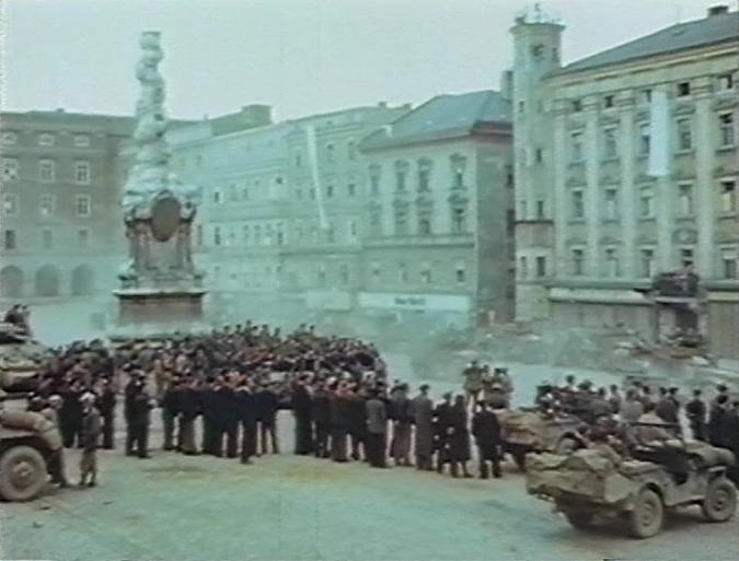 Special_Film_Project_186_-_Hauptplatz_Linz_1.png